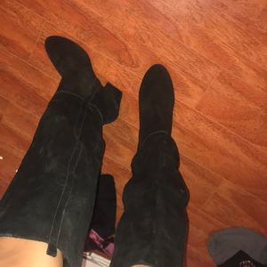 Good condition suede boots